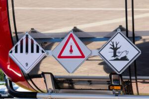 Veszélyes áruk szállítása - ADR 2021 - lando.hu